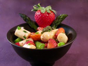 Asparagus-Strawberry-Salad-1