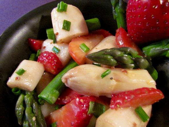 Asparagus-Strawberry-Salad-2