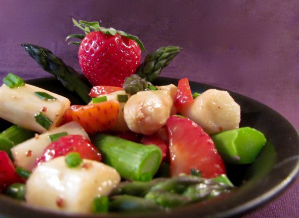 Asparagus-Strawberry-Salad-5