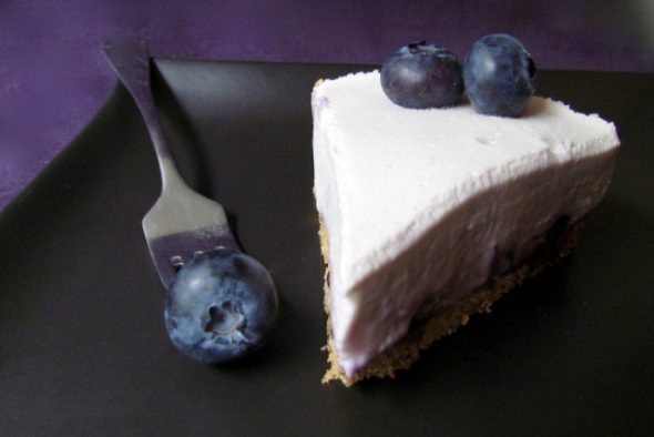 White-Chocolate-Blueberry-Cheesecake-4