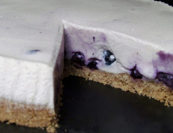 White-Chocolate-Blueberry-Cheesecake-6