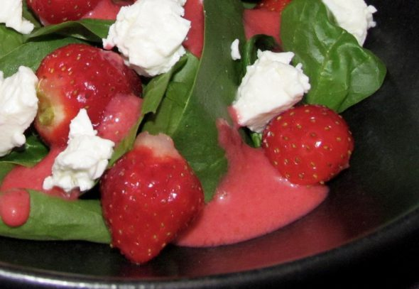 Strawberry-Spinach-Feta-Salad-1