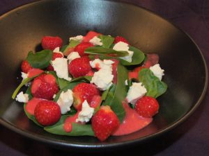 Strawberry-Spinach-Feta-Salad-2