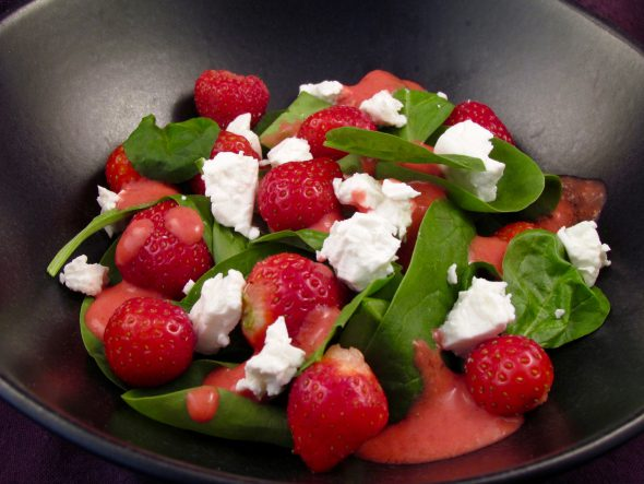 Strawberry-Spinach-Feta-Salad-4