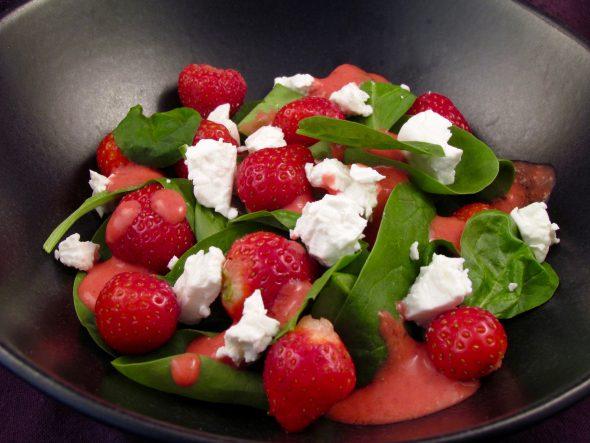 Strawberry-Spinach-Feta-Salad-4