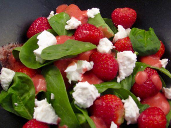 Strawberry-Spinach-Feta-Salad-5