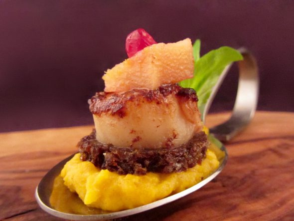 Scallops-Curry-Pumpkin-Puree-Spiced-Quinces-and-Pumpernickel-6