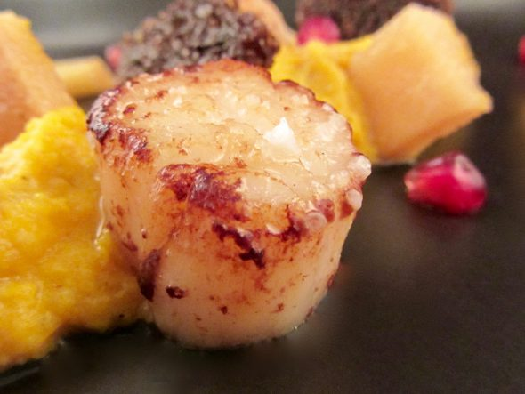 Scallops-Curry-Pumpkin-Puree-Spiced-Quinces-and-Pumpernickel-9