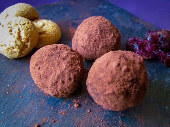 20160326-chocolate-cherry-amaretto-truffles-3