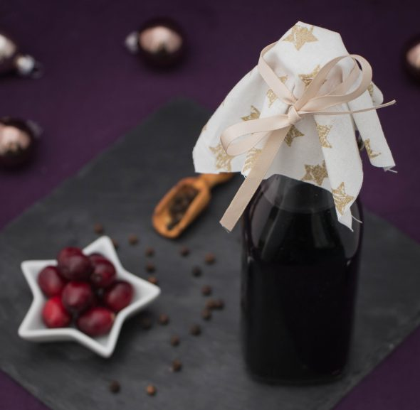 cranberry-pepper-infused-balsamic-vinegar