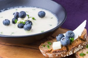 creamy-kohlrabi-and-blueberry-soup-5