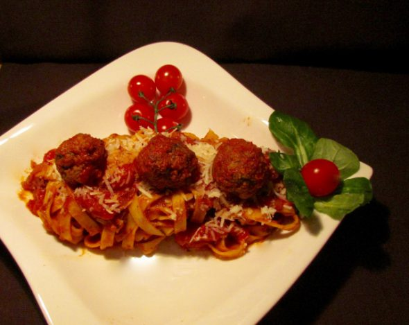 meatballs-and-pasta-2