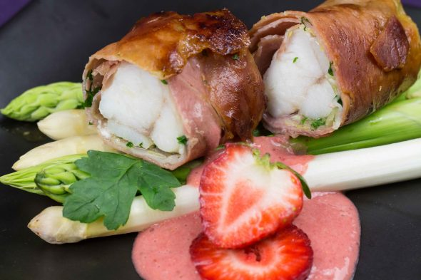 Parma-Ham-Monkfish-Asparagus-Strawberry-Vinaigrette-6