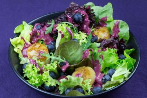 Blueberry-Scallop-Salad-2