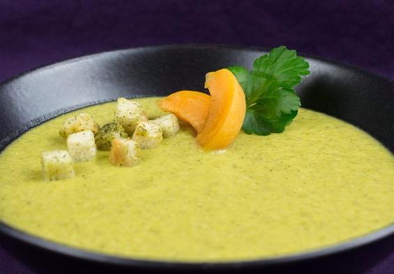 Zucchini-Almond-Apricot-Soup-4