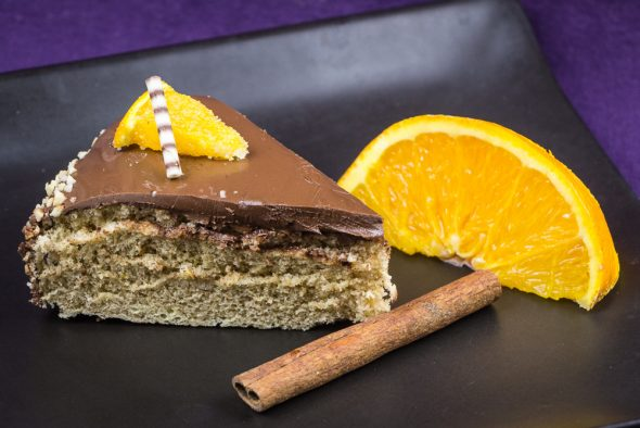 Allspice-Sponge-Cake-Cowberry-Sorbet-2