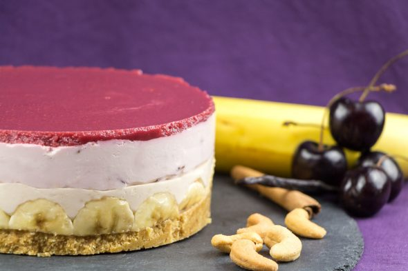 Black-Cherry-Banana-Maple-Sirup-No-Bake-Cheesecake-1