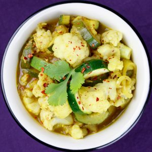 Creamy-Yellow-Cauliflower-Zucchini-Curry-3