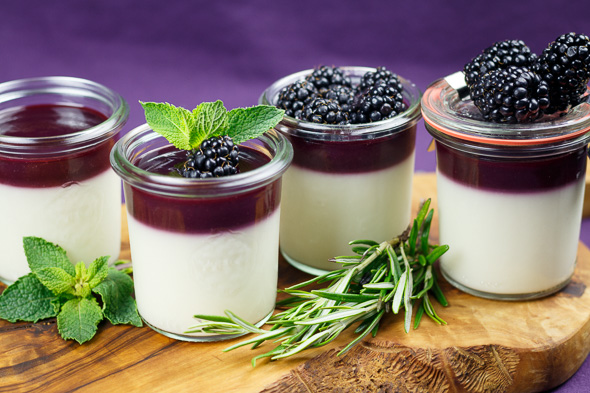 Honey-Panna-Cotta-Blackberry-Rosemary-Curd-5