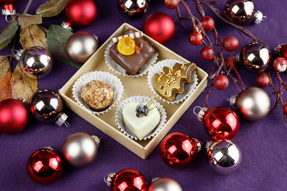 Winter-Christmas-Chocolate-Box-2018-2