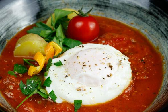 madeiran-tomato-onion-soup-4