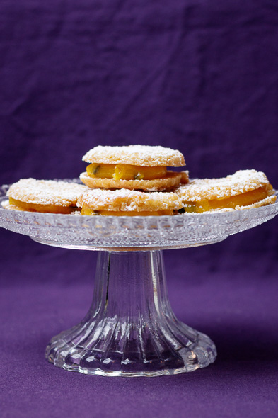 passionfruit-coconut-sandwich-cookies-4