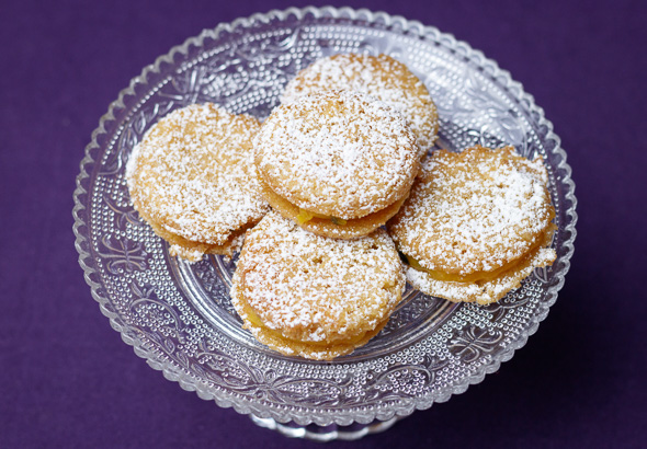 passionfruit-coconut-sandwich-cookies-5