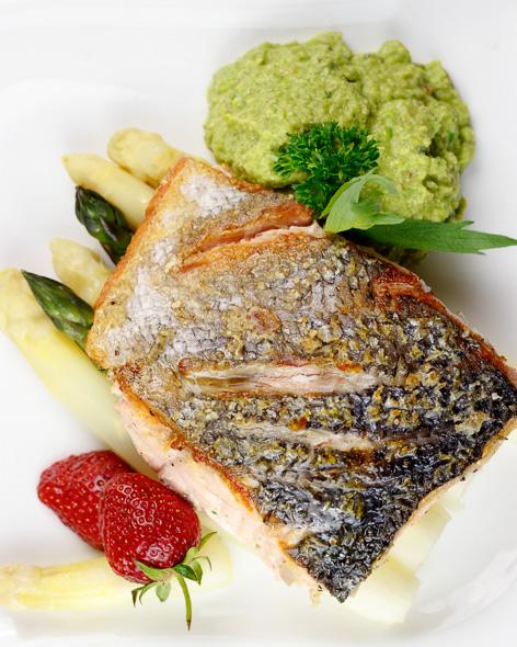 Crispy-Pan-Seared-Salmon-Pea-Purée-Asparagus-Pastis-Tarragon-Sauce-2