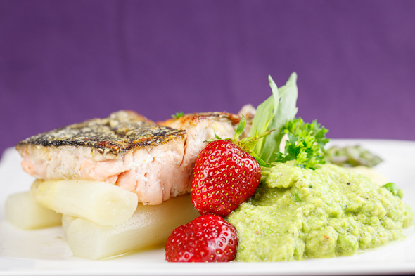 Crispy-Pan-Seared-Salmon-Pea-Purée-Asparagus-Pastis-Tarragon-Sauce-3