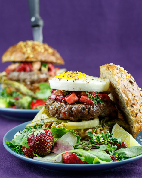 Asparagus-Burgers-Punchy-Strawberry-Relish-4