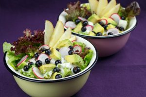 Avocado-Blackcurrant-Salad-2