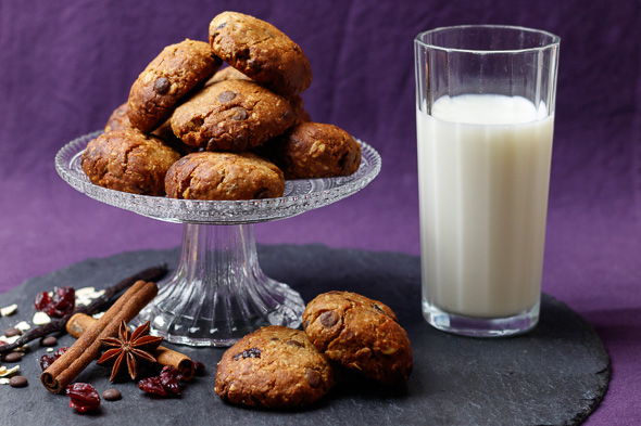 Gluten-Free-Cherry-Chocolate-Oatmeal-Cookies-1
