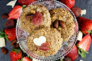 No-Bake-Strawberry-White-Chocolate-Cookies-2