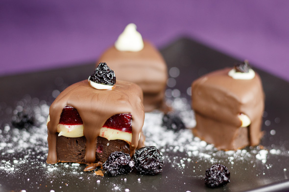 Black-Forest-Gateau-Chocolates-4