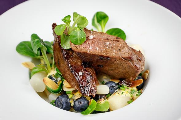 Venison-Steak-Black-Salsify-Blueberry-Salad-4