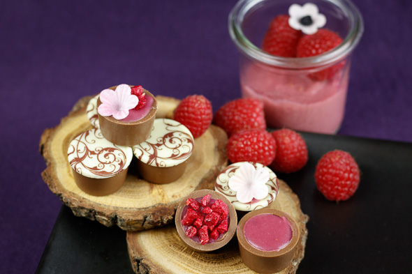 Raspberry-Crisp-Yoghurt-Chocolates-1